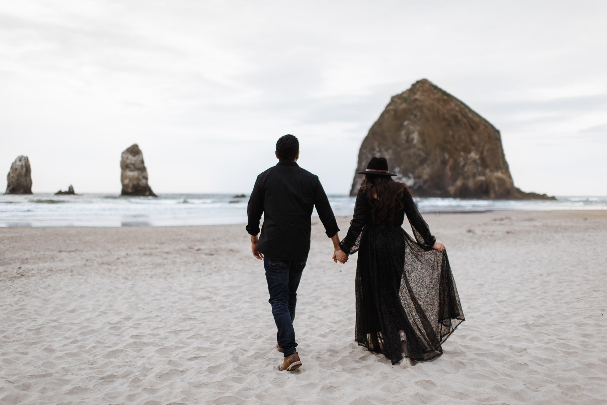 oregon-cannon-beach-ecola-state-park-adventure-destination-engagement-houston-photographer