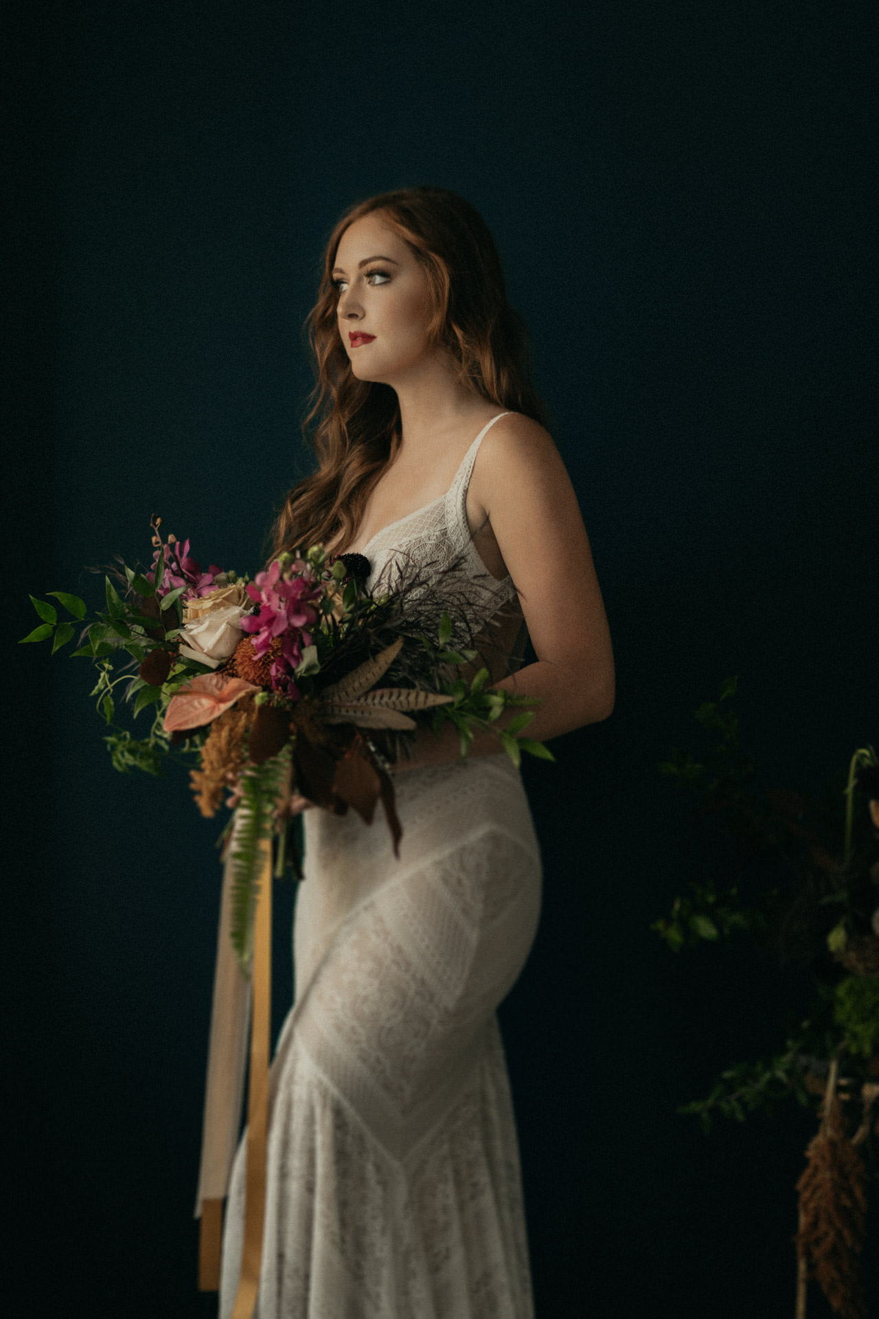 moody-fall-styled-photo-session-red-hair-woodlands-oak-atelier-whimsical-events