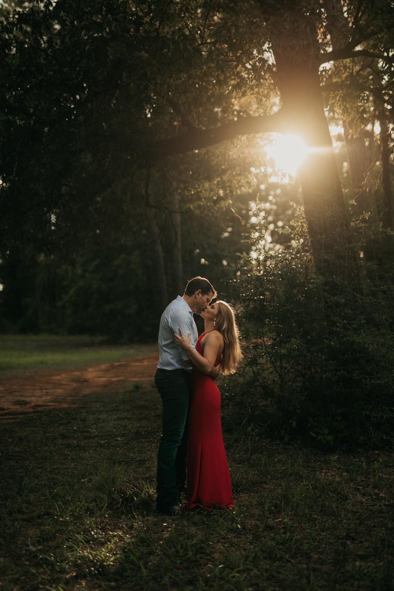 woodlands-conroe-wg-jones-forest-engagement-photography