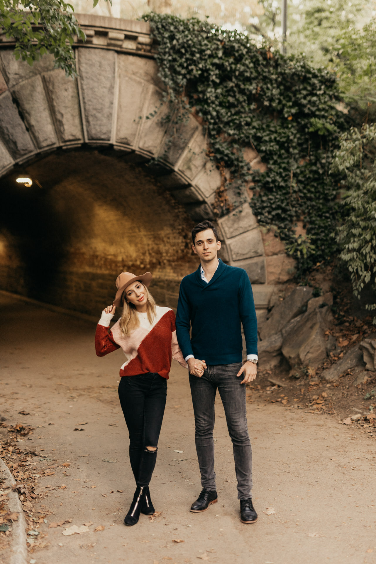fall-october-new-york-central-park-couples-engagement-session-photographer