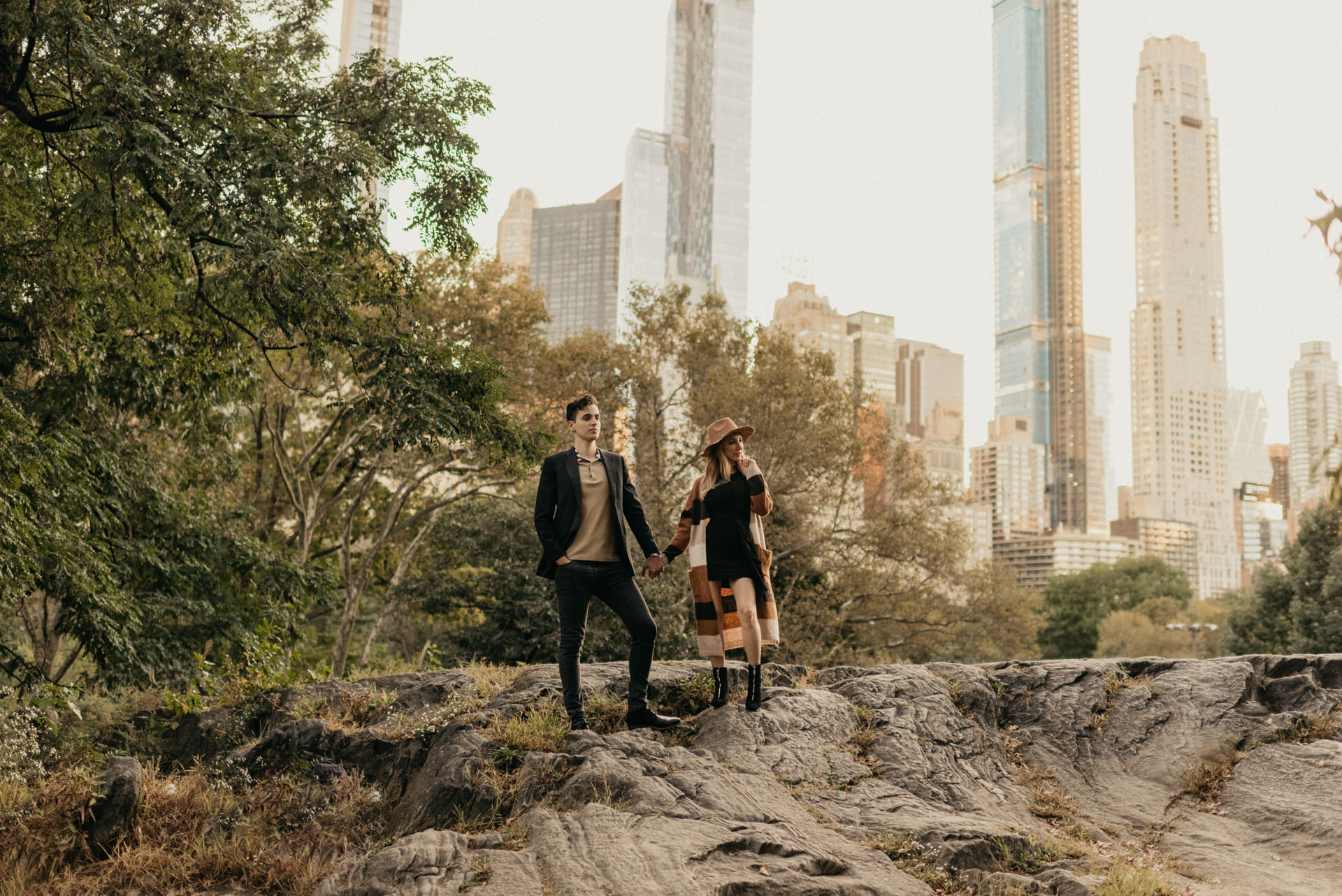 fall-october-new-york-central-park-couples-engagement-session-photographer-houston