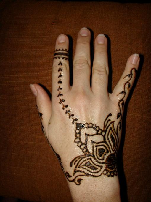 small_henna9.jpg