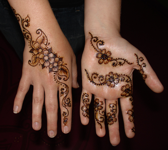 small_henna2009.jpg
