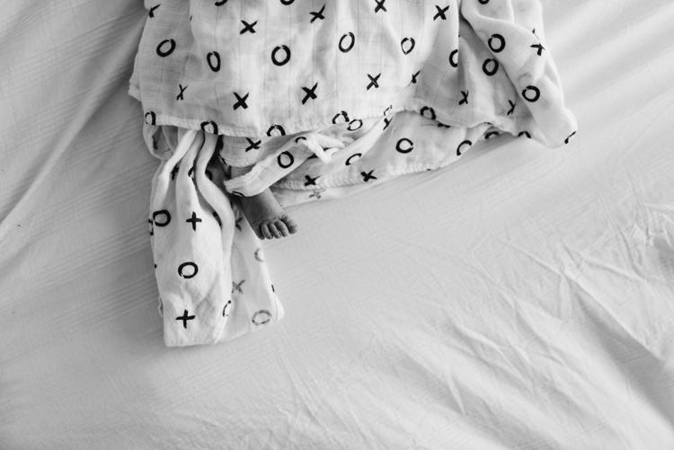 vancouver newborn photographer -4.JPG