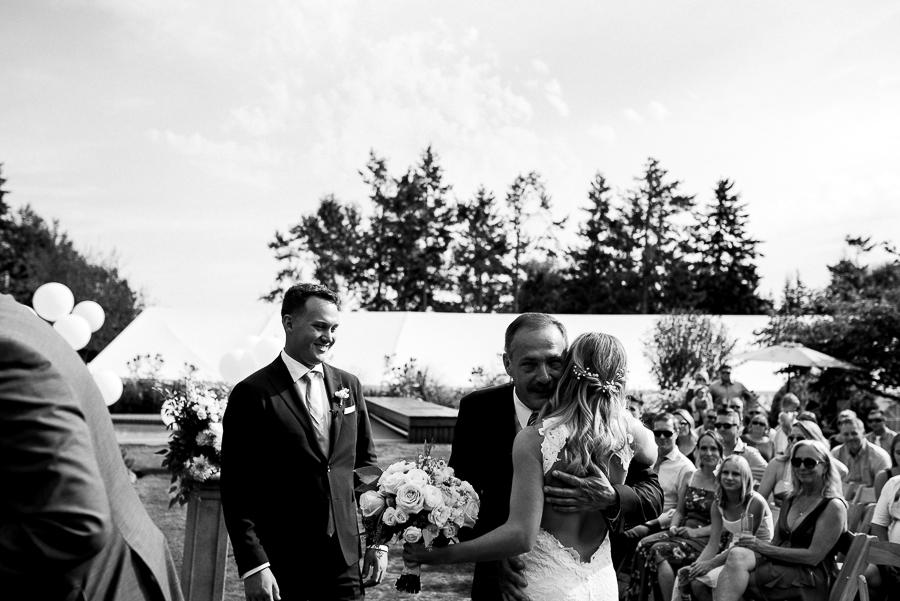 vancouver island wedding (86).jpg