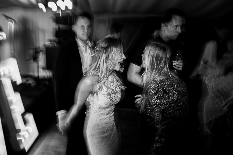 vancouver island wedding (147).jpg