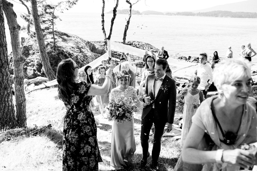 bowen island wedding photographer (104).jpg