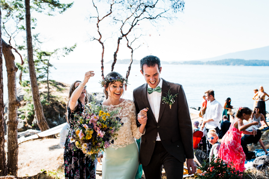 bowen island wedding photographer (105).jpg