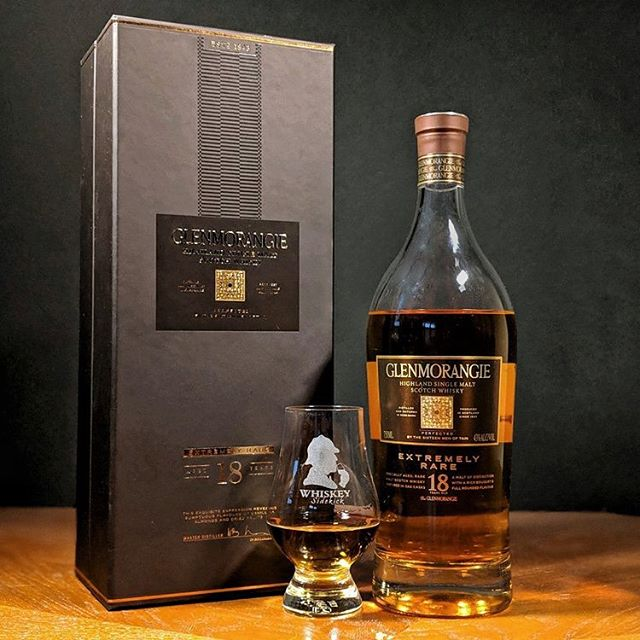 New review of the @glenmorangie 18 YR Extremely Rare up over at whiskeysidekick.com! ... 👀 Golden 🍯 with some thin 🦵. 👃 Vanilla, hand sanitizer and 💐. 👄 Balanced with lightly charred oak and dried fruits . 🏁 Warm and dry with a touch of 💨. . Not our favorite but not bad either. A bit💰for what it is and could use a bit more 🥊. . What ya'all think about this one?  Pick or pass?