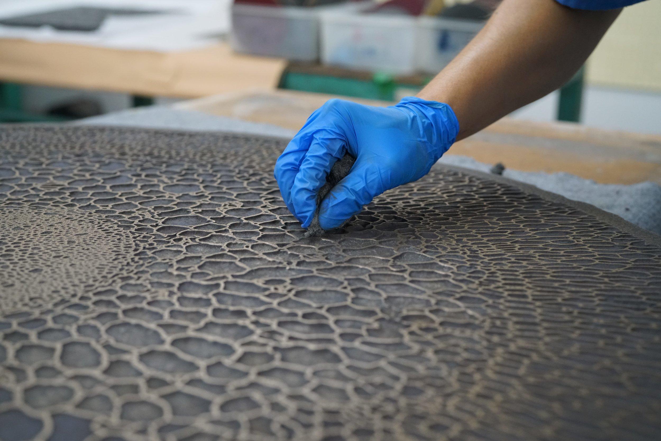 Mendel Project - Liquid Metal Furniture - Francois Hurtaud Design - Orchid - Polishing.JPG