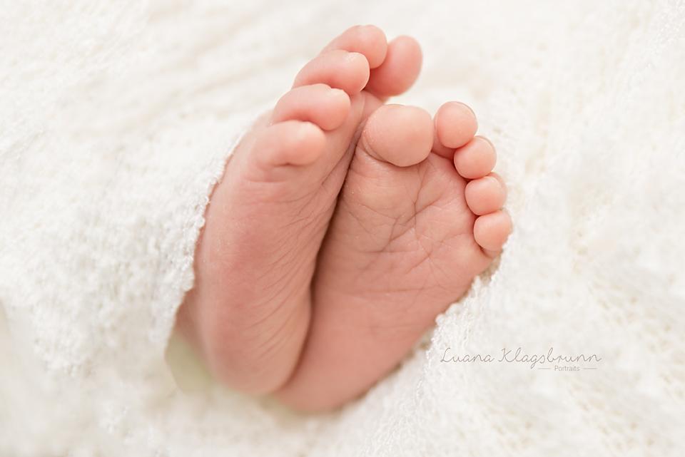 Babyfotografie Karlsruhe Luana Klagsbrunn Detail1.jpg