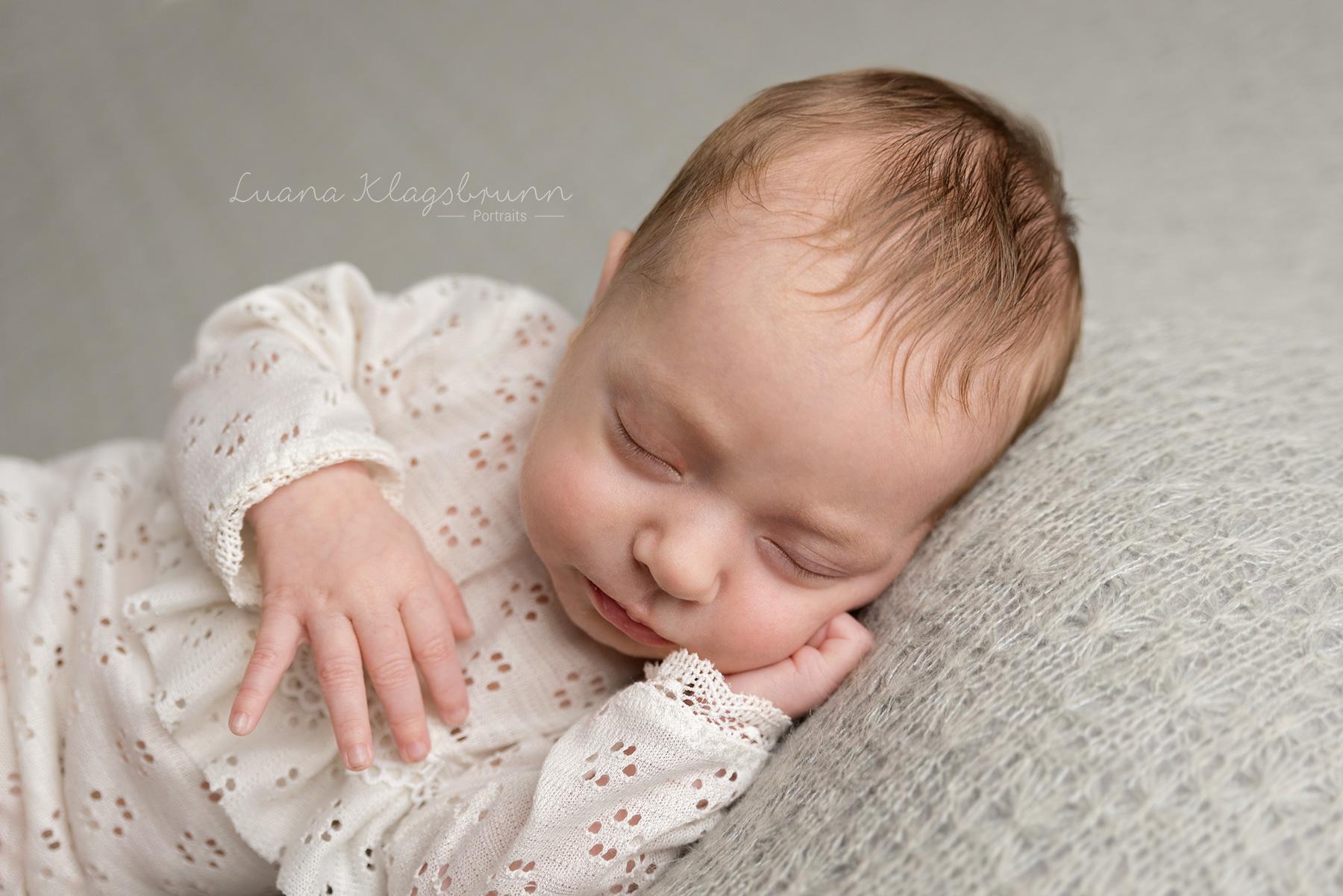 Luana_Klagsbrunn_Babyfotograf_Pfinztal_9.jpg