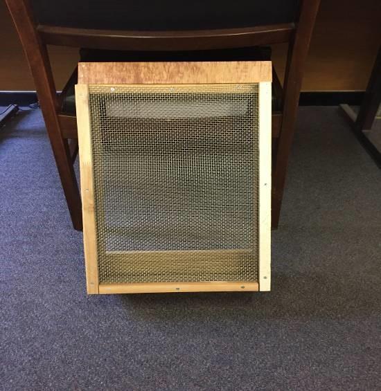 mesh bottom board.jpg