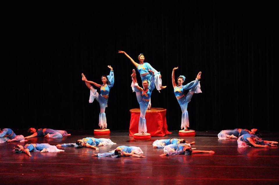 Dance Revelasian Expo 2011