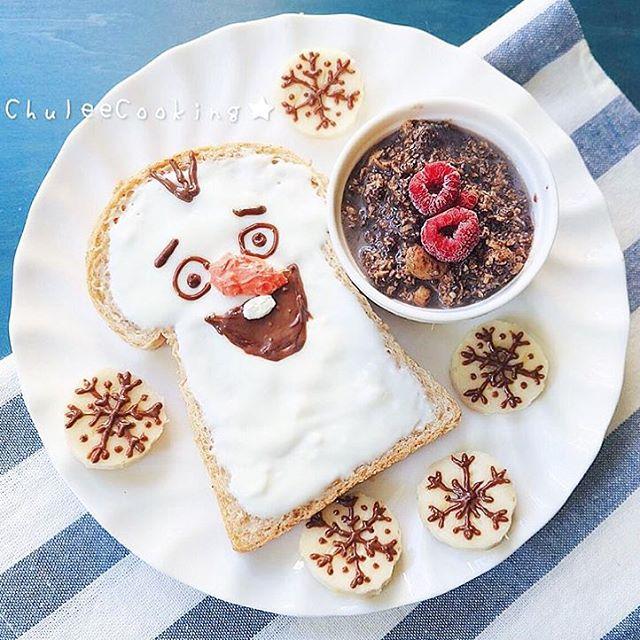 เช้านี้มาทาน innocentcow เย็นๆ แล้วมโนว่าอากาศเย็นกันดีกว่า 🐮❄️ . อย่างน้อยก็ไม่เพิ่มไขมันให้ตัวร้อนขึ้นก็แล้วกัน 😝 . innocentcow greek yogurt toast ทานคู่กับ dark chocolate overnight granola เย็นๆ เบาๆ . ขอบคุณรูปสวยๆ คลายร้อนจากคุณ @praewchulee มากๆ นะครับบ 🐮🙏🏼🐮🙏🏼