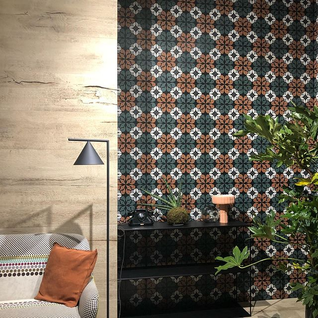 Continuing my design education last week at @cersaie. Large format tile, intricate mosaics, hand-painted tile, tile made thanks to designer partnerships... so much to see. Swipe!