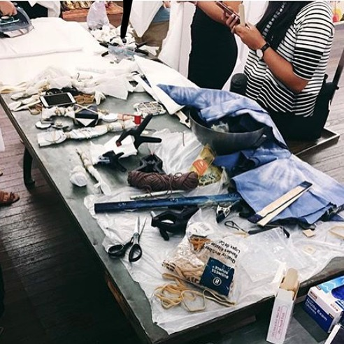 Shibori in the making! My ext workshop is aug 24 @trestleworkshops sign up in bio . . . #shibori #shiboridye #indigo #indigodye #tiedye #shiboriworkshop #funthingstodoinbrooklyn #greenwood #testlegallery #trestleworkshop #batik #textiledesign #shiboridesign