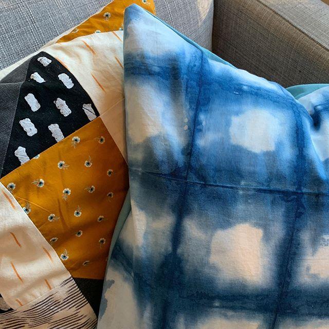 Square itajime pillow with @liamofyork of @rmwolst quilted pillow.  Don't you think the colors look great together!! . . . #shibori #shiboridye #indigo #indigotiedye #interiordesign #pillow #textiledesign #brooklyn #handmade #itajime #modernhomes