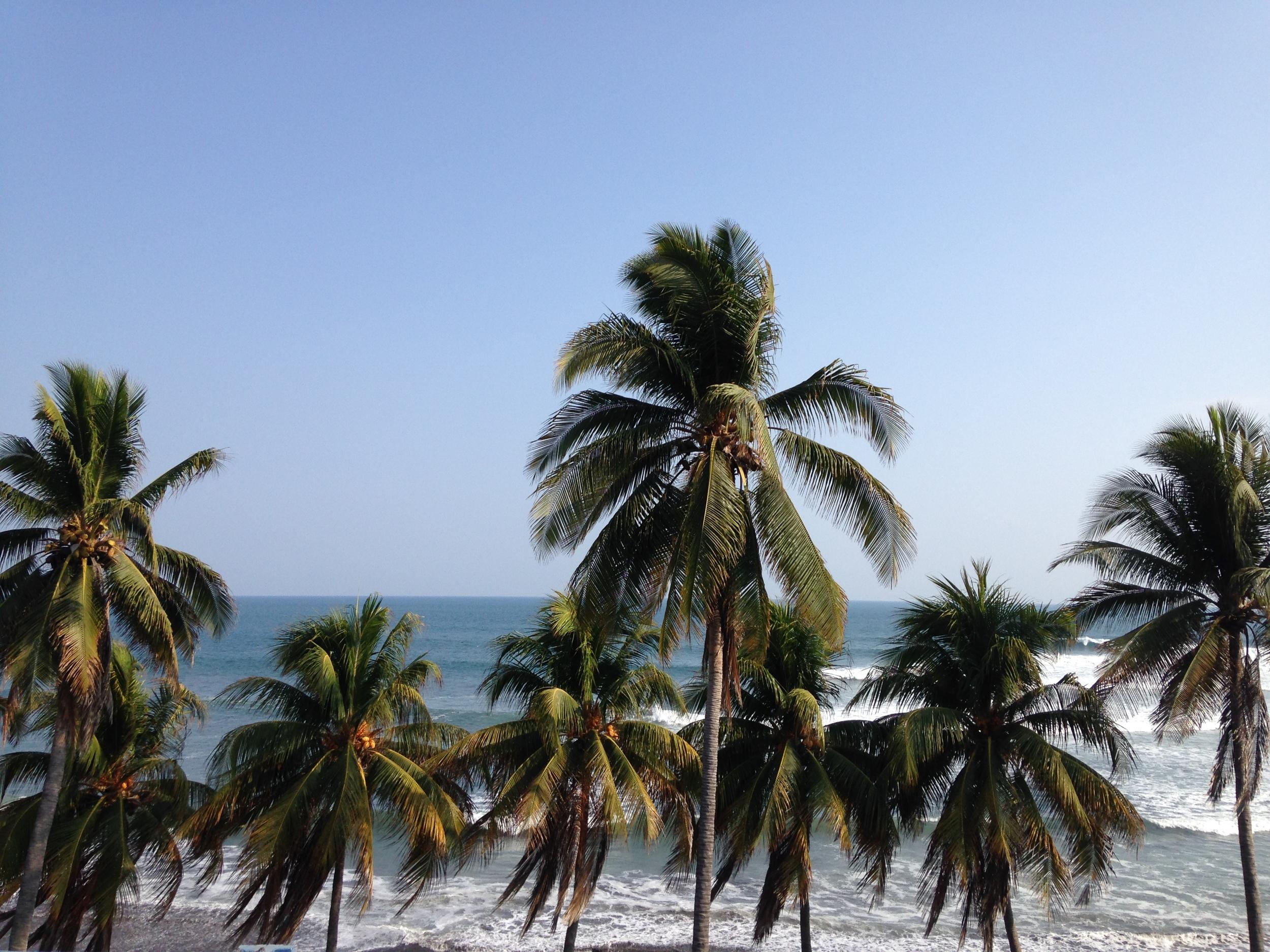 Big swell in beautiful El Salvador