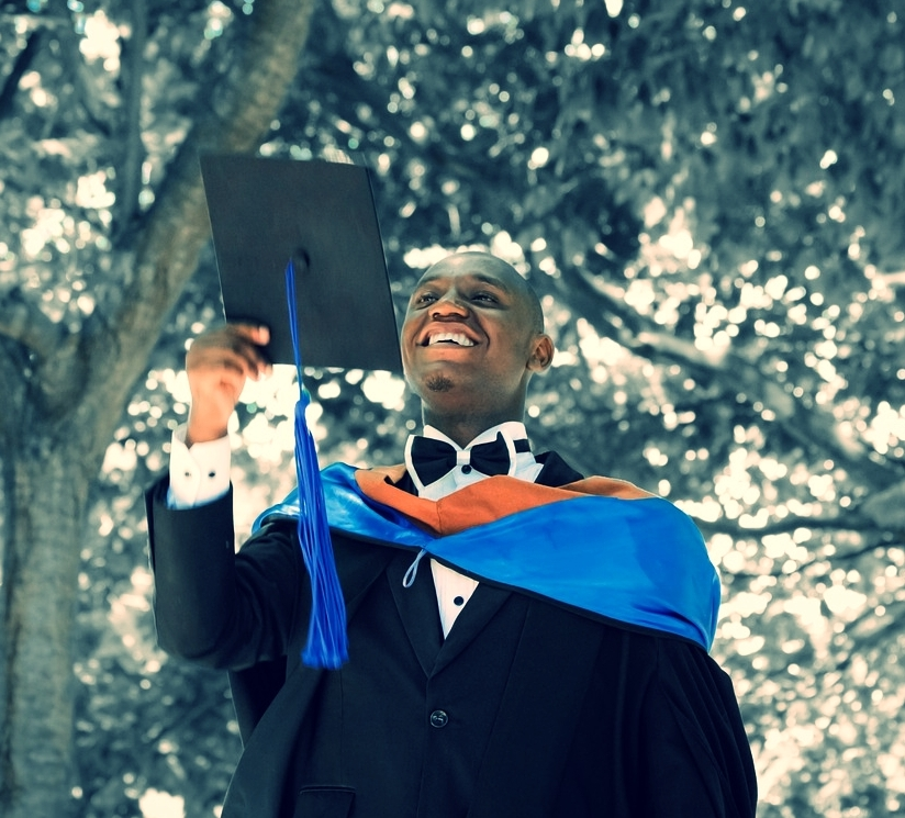 graduation-2349741_1280.jpg