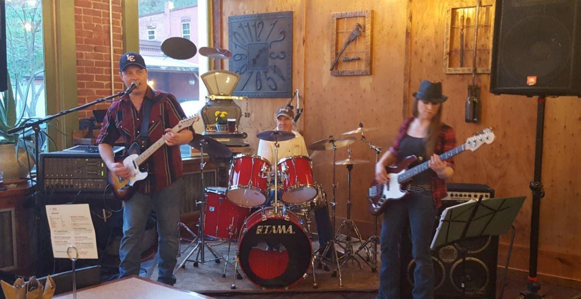 Brews band playing.JPG