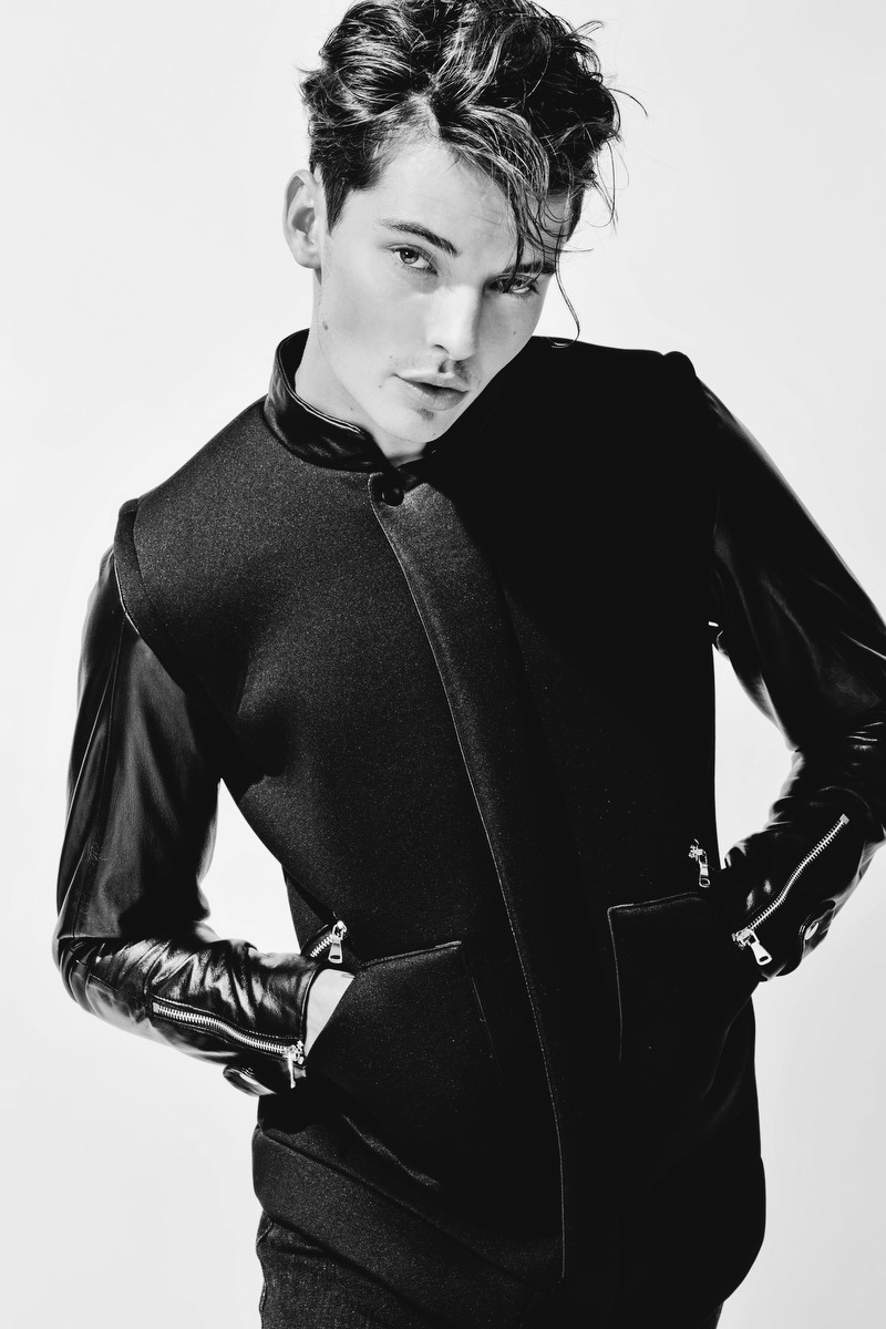 Fashionisto-Exclusive-Carson-Hiner-002.jpg