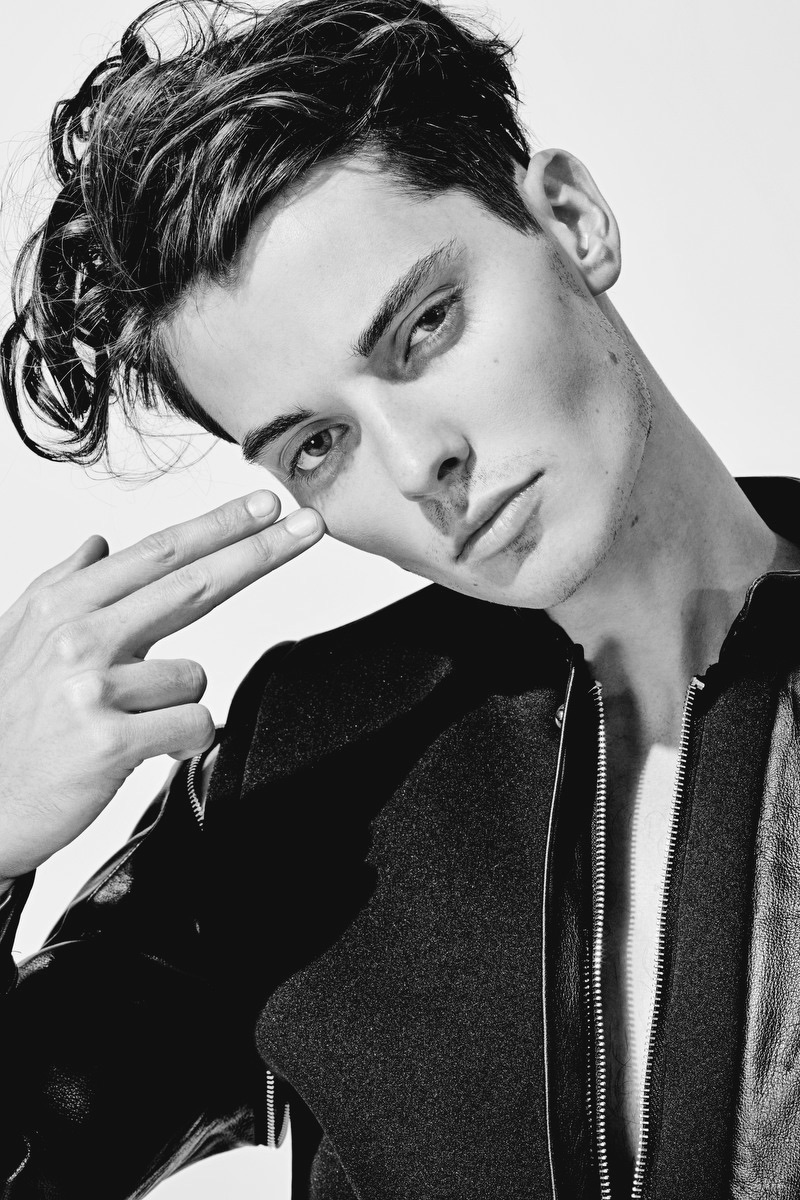 Fashionisto-Exclusive-Carson-Hiner-005.jpg