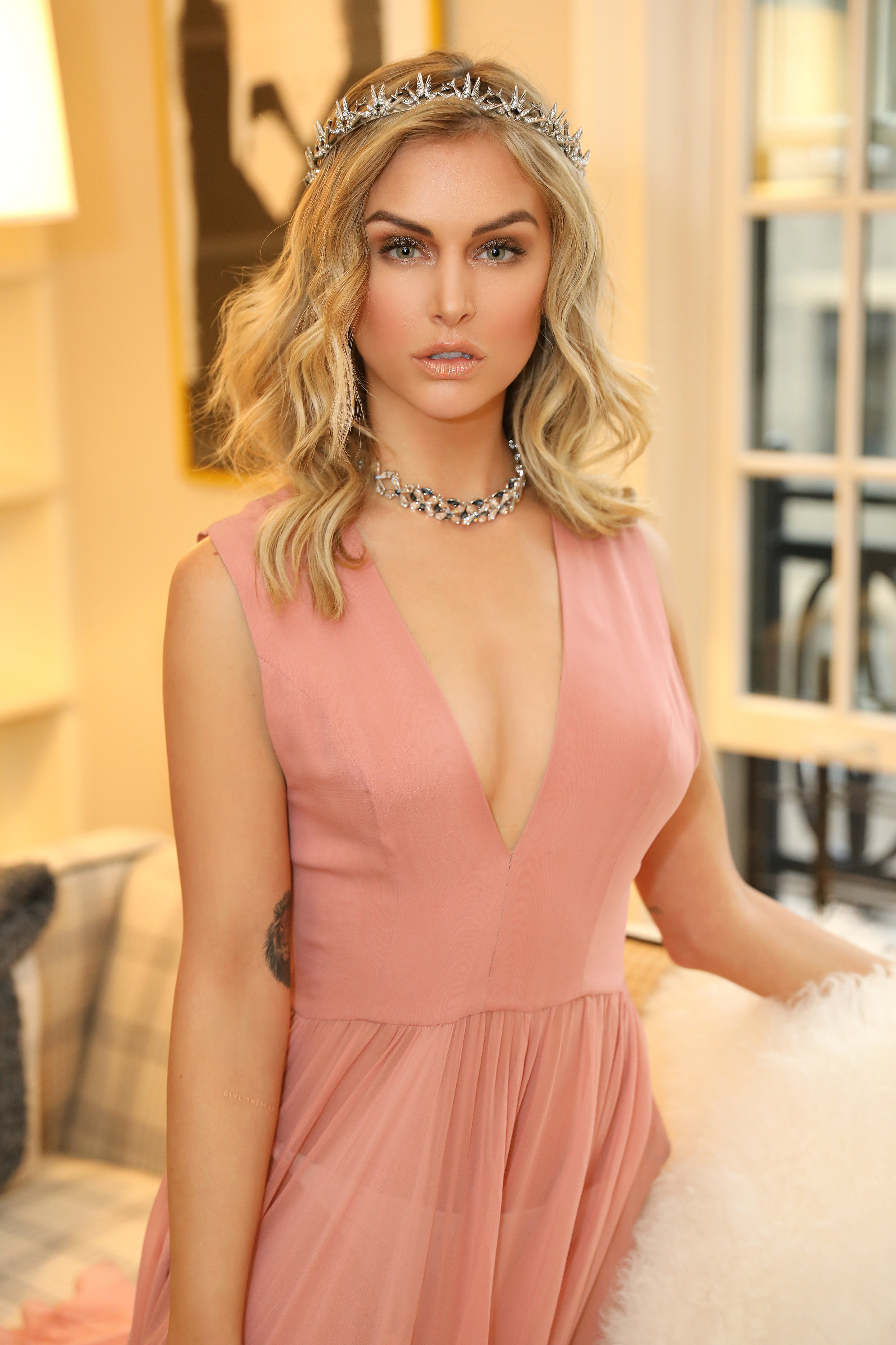 AM MAY HOLDING COURT WITH LALA KENT-9.jpg