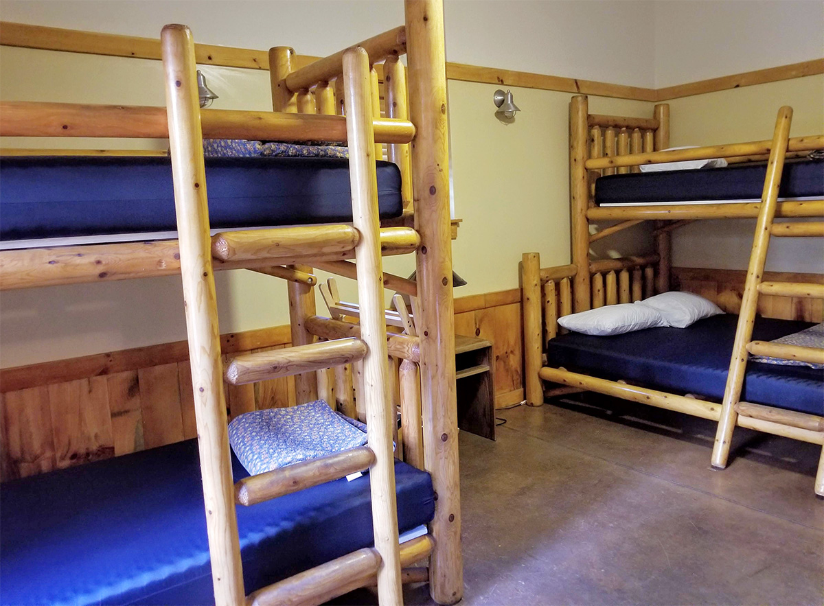Room At The Longhouse Sleeps 3 The Poetry Barn