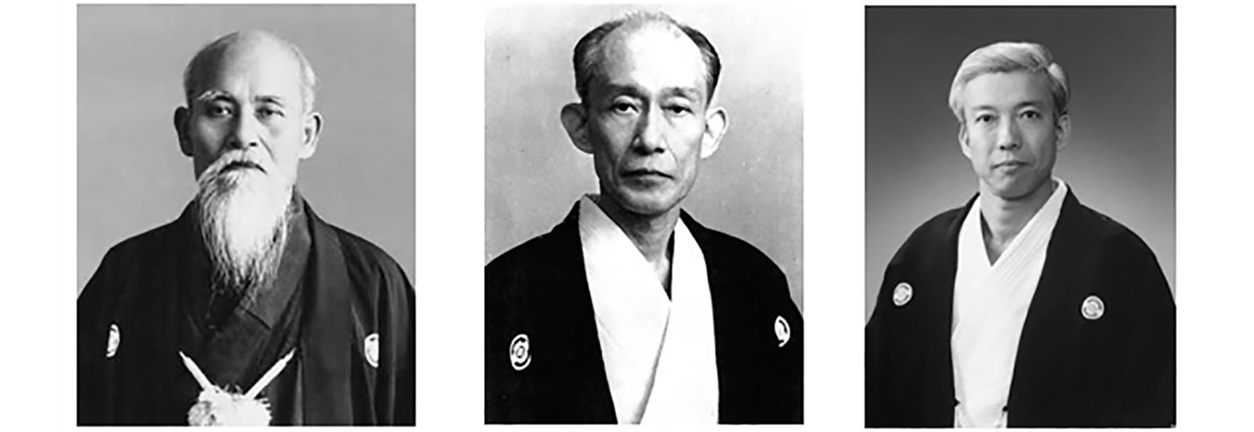 In ordine da sinistra: O Sensei Ueshiba Morihei, suo figlio Ueshiba Kisshomaru e Ueshiba Moriteru (attuale Doshu)
