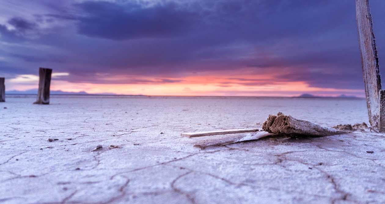 Photo: Bonneville Salt Flats Utah.com