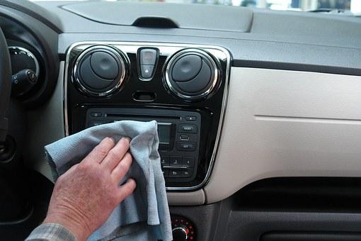 Clean_car_interior