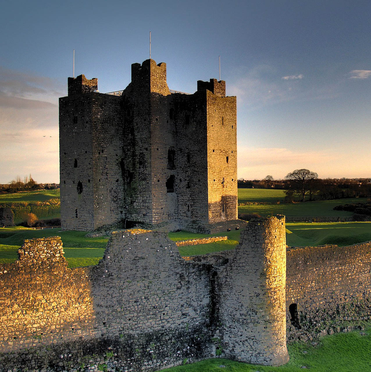 Trim Castle, County Meath, at sunrise. Andrew Parnell, Creative Commons