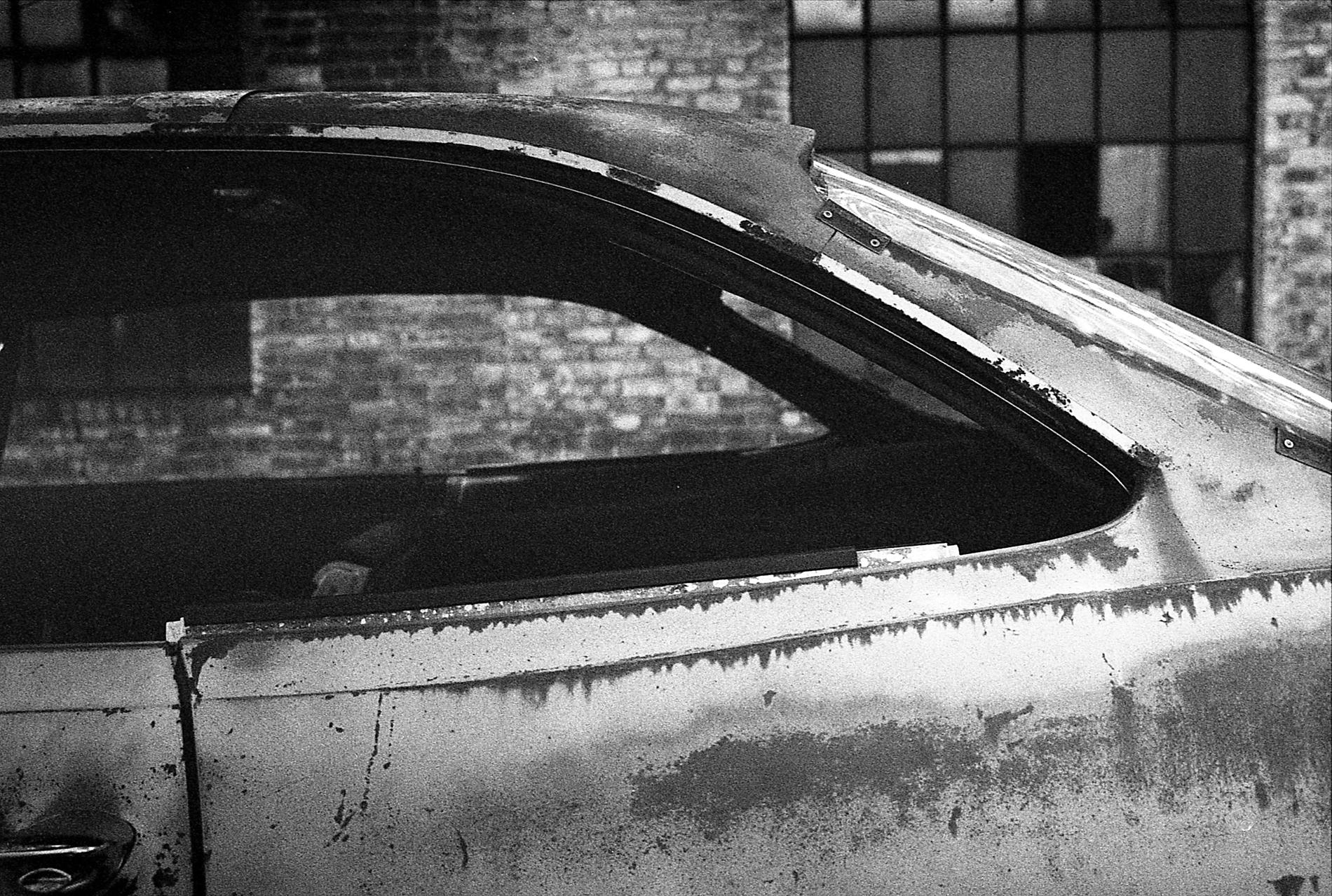 Leica M4-2 | Ilford Delta400 + 2