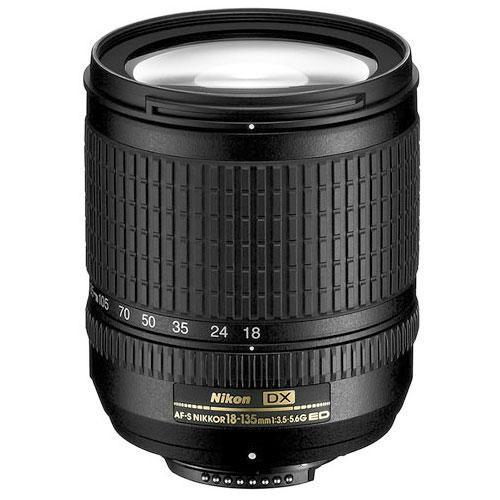 Nikon 18-135mm f/3.5-5.6 -