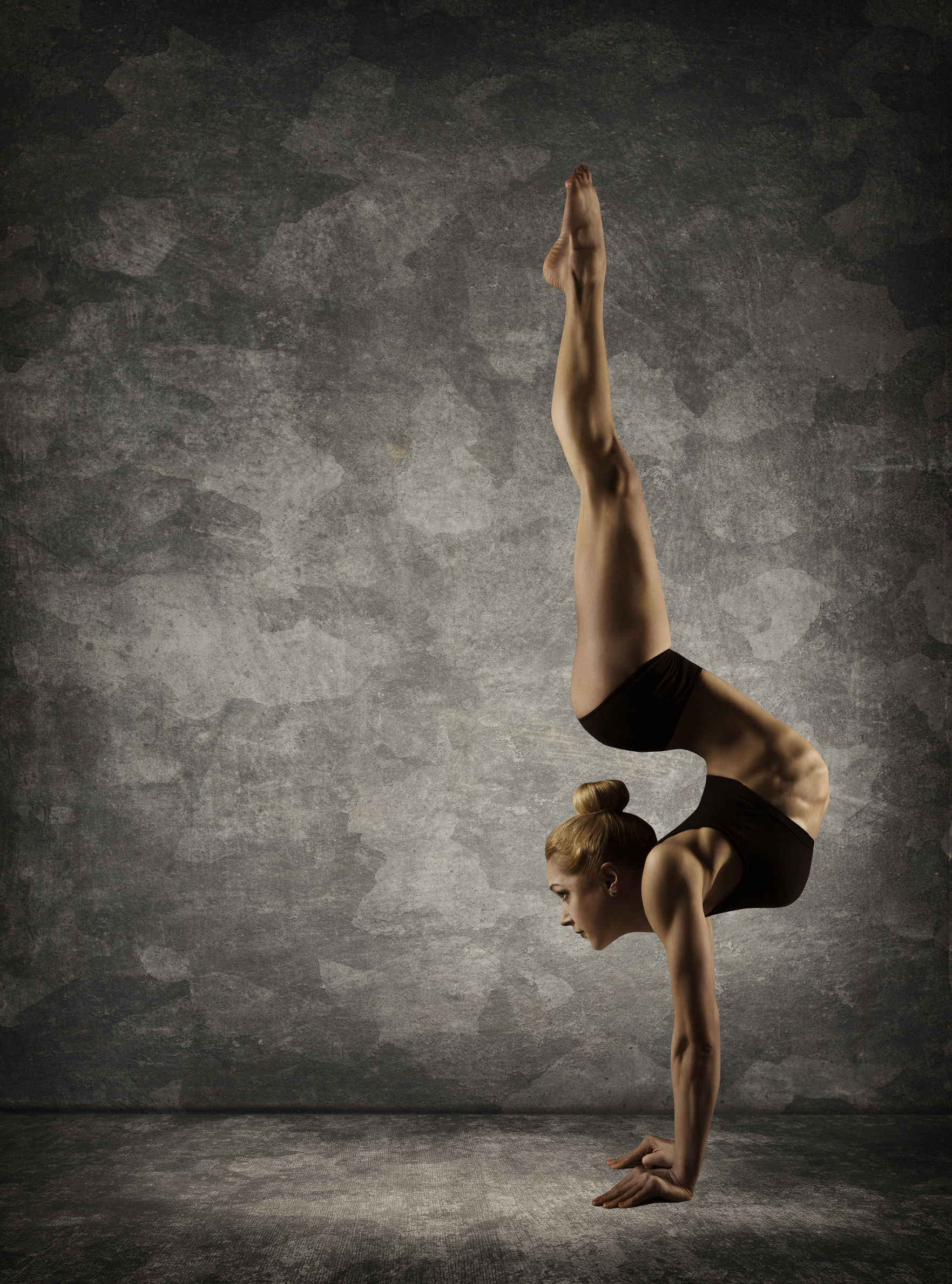 This girl is nuts, but these are my handstand goals right here!