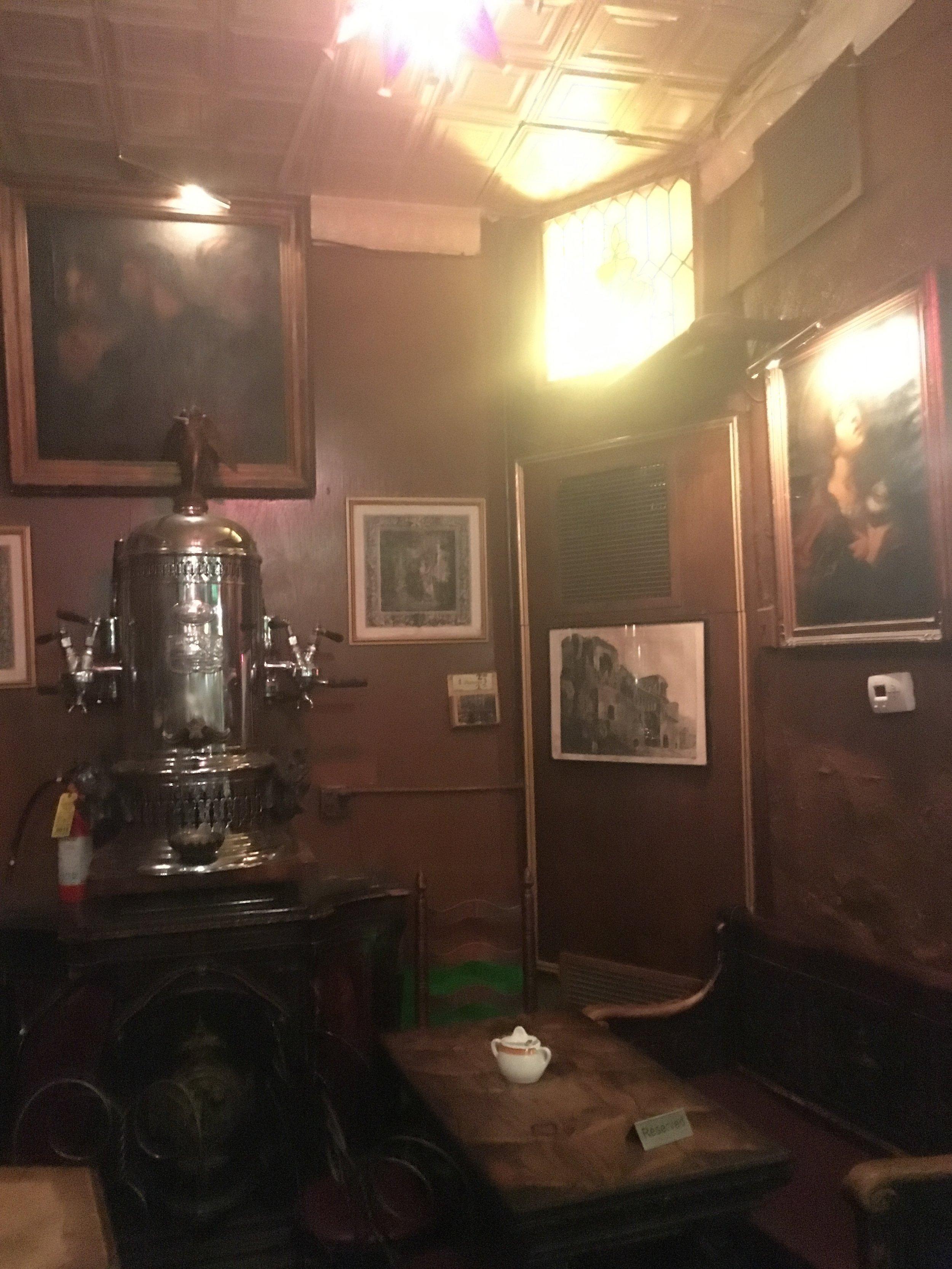 The 1902 espresso machine