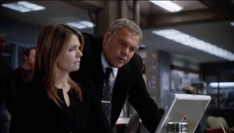 Photo from Law & Order Criminal Intent. Vincent D'Onofrio as Det. Robert Goren and Katherine Erbe as Det. Alexandra Eames.