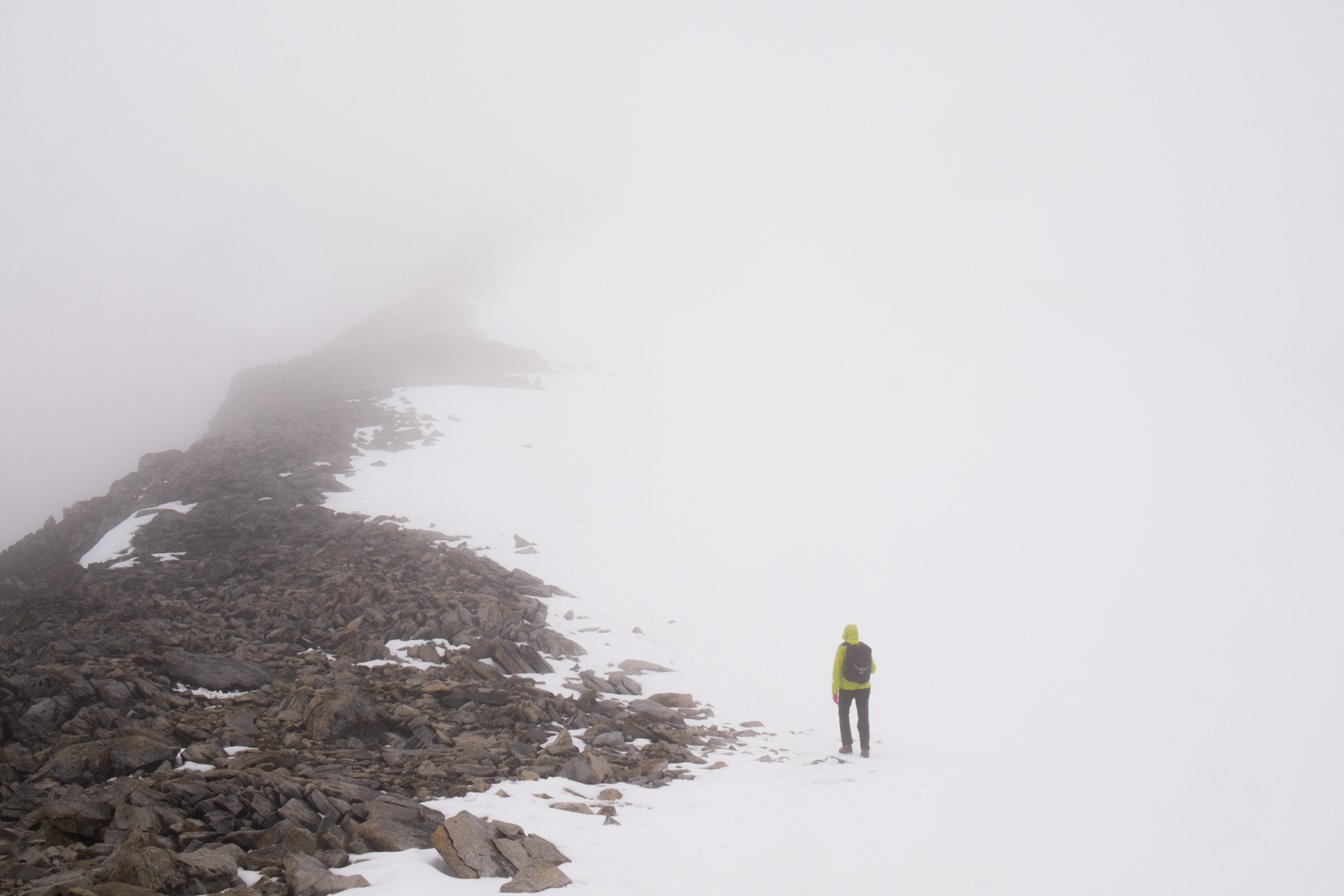 In Jotunheim the clouds can quickly roll in so be careful when walking on the ridge on the midway up.