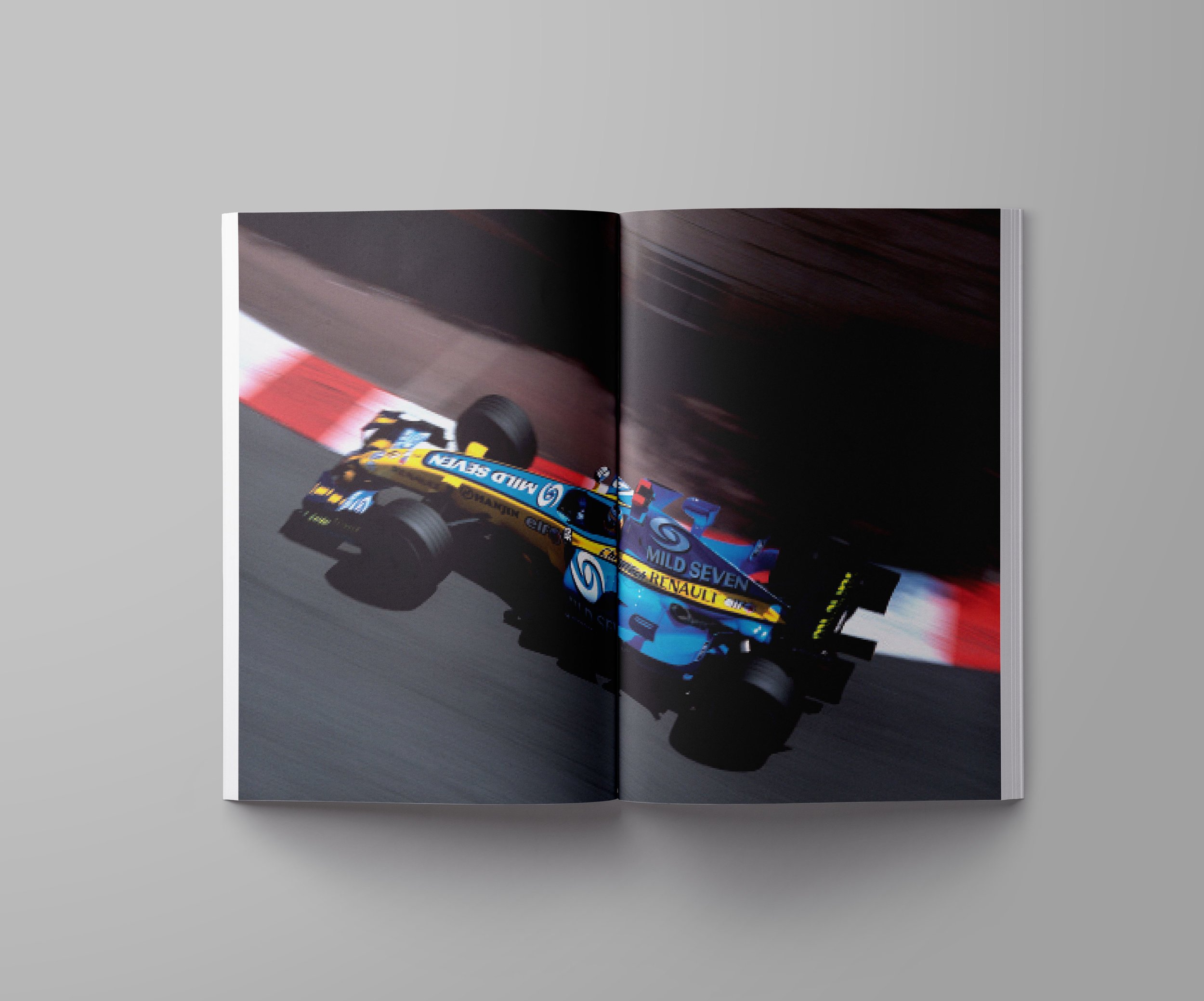 Magazine-USLetter-A4-Mockup-Template-w-f1-02.jpg