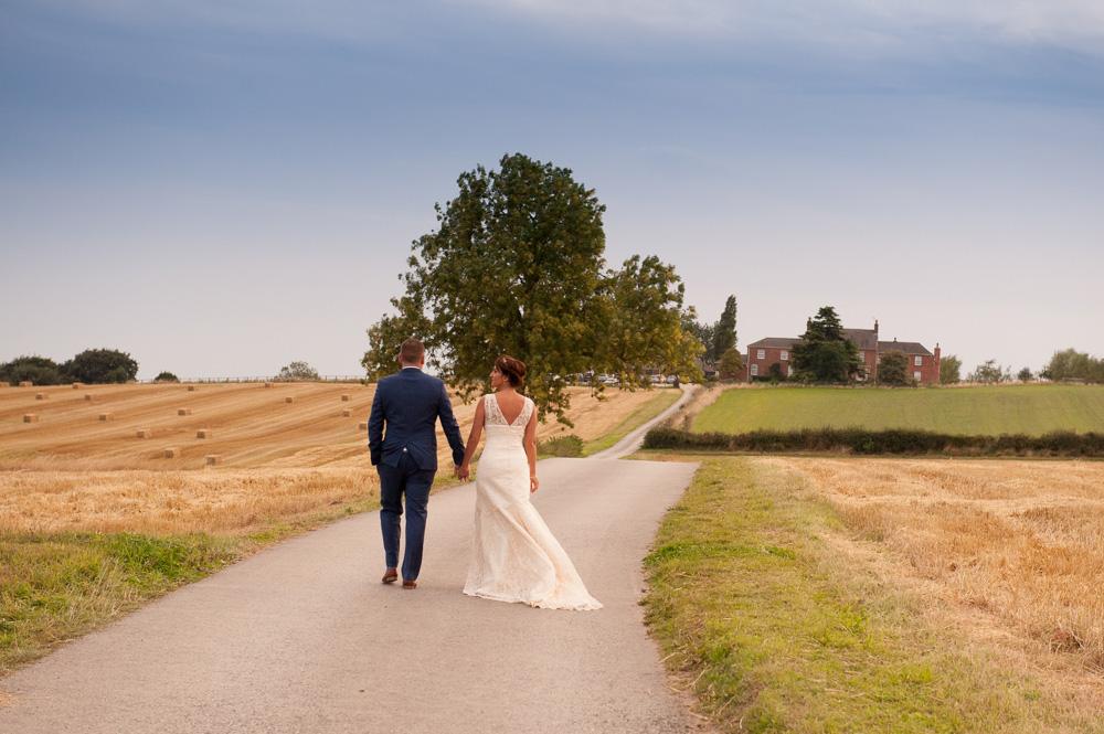 swan-car-farm-wedding-robert-sail-17.jpg