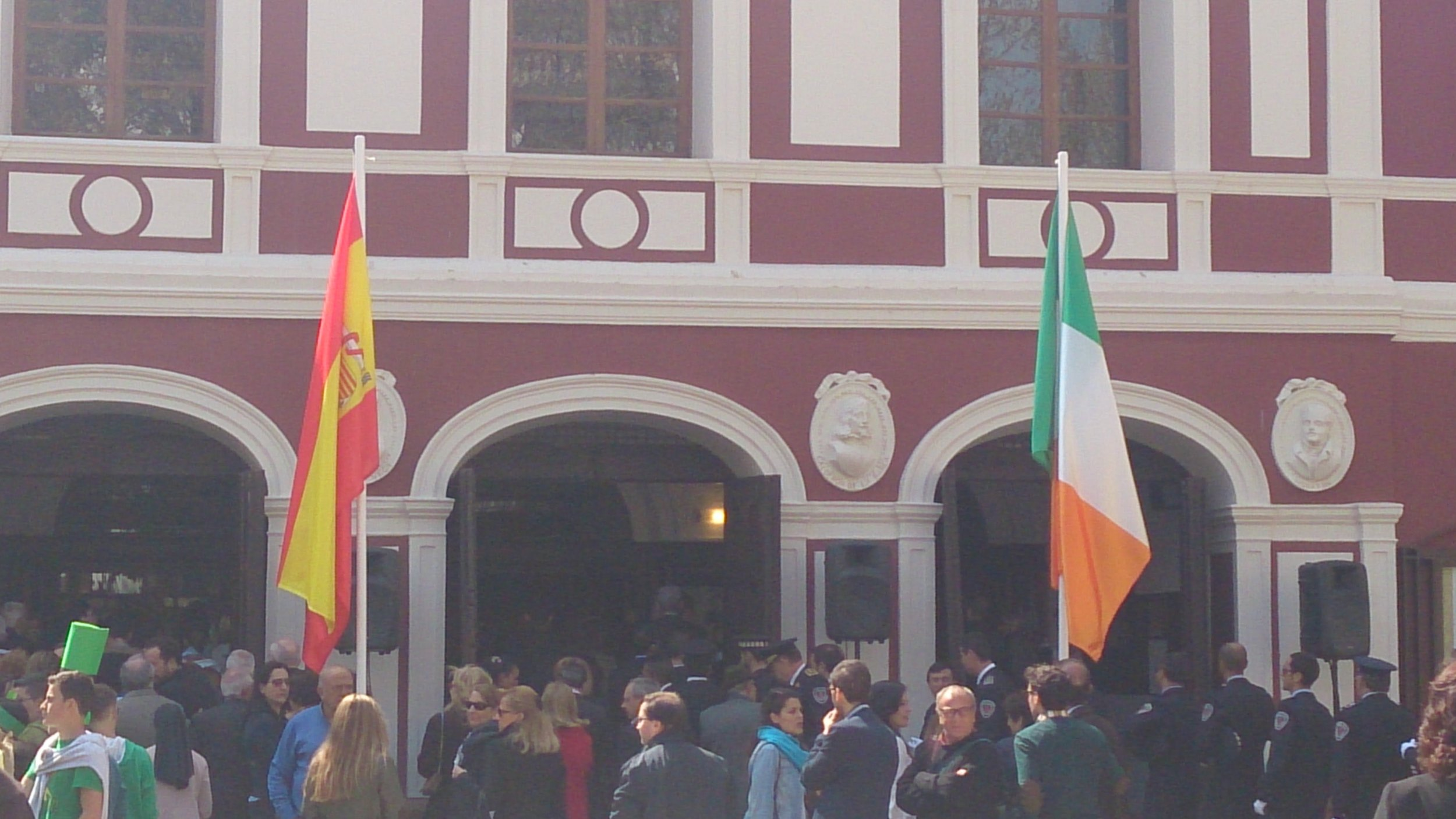 The Irish and Spanish flags are raised in honour of the 'special relationship' between Eire and Lorca