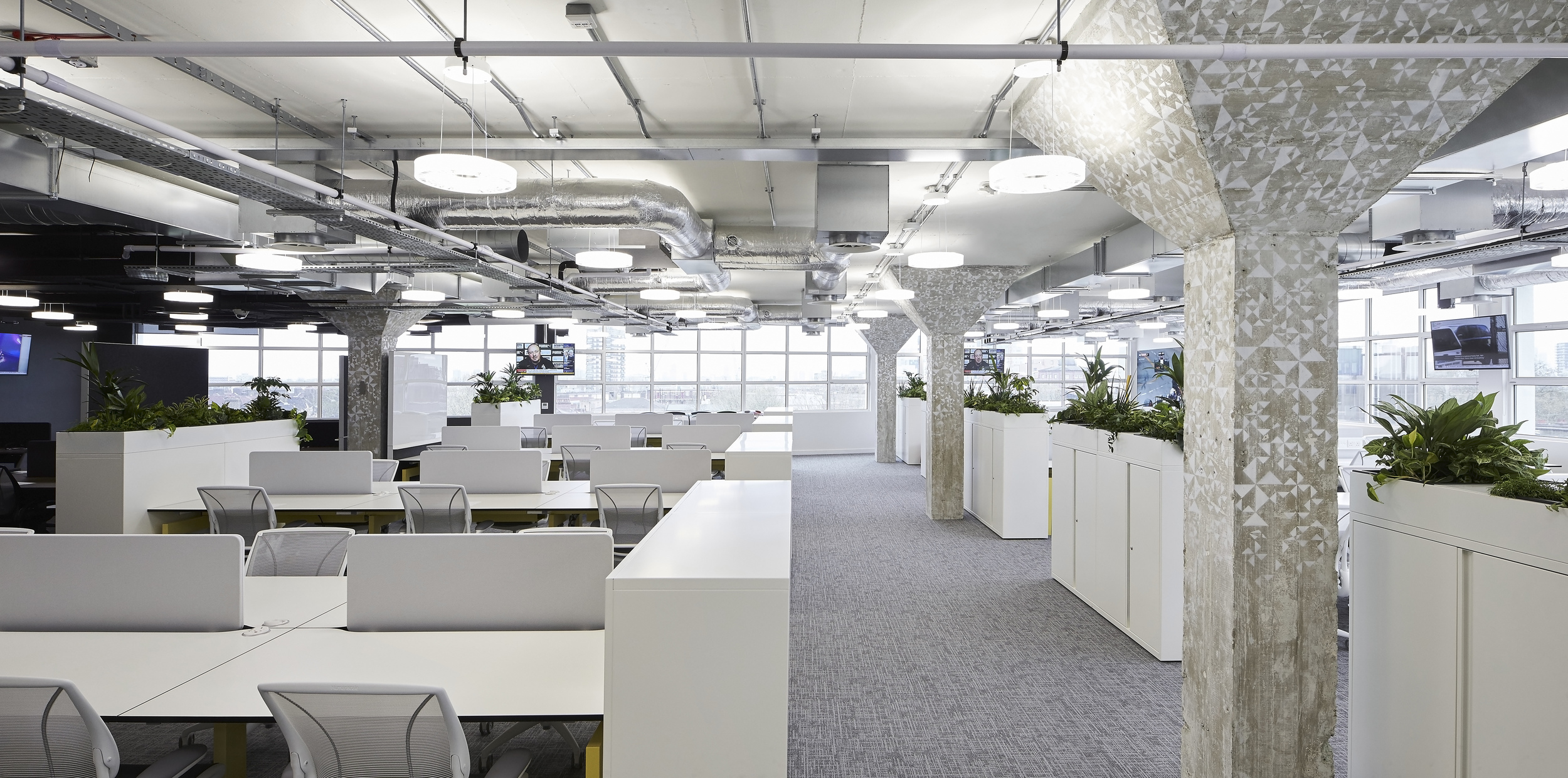 HLW_SKY offices_Brick Lane_-®Hufton+Crow_005.jpg