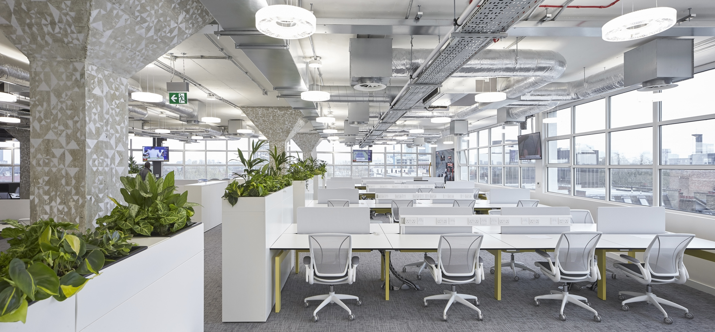 HLW_SKY offices_Brick Lane_-®Hufton+Crow_008.jpg