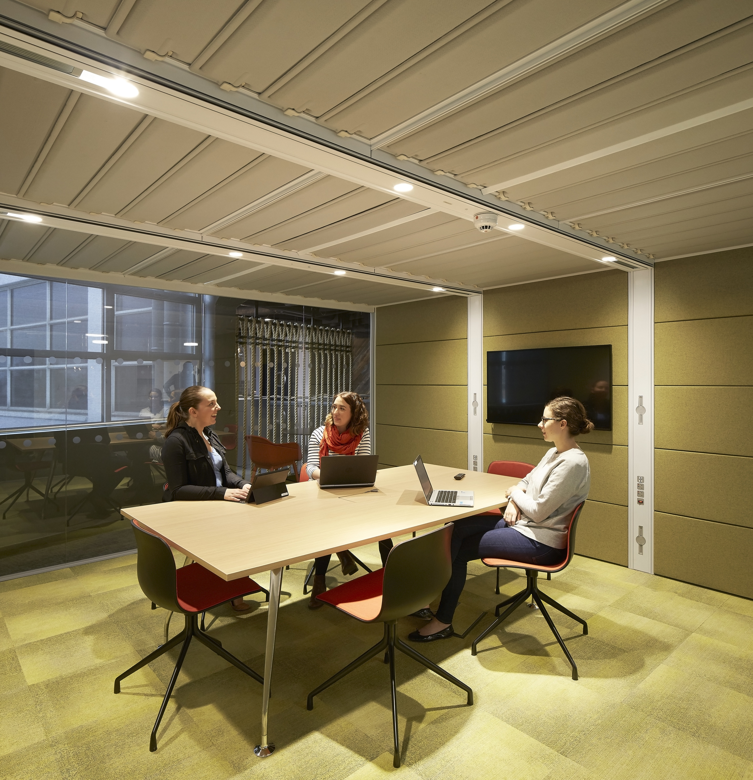 HLW_SKY offices_Brick Lane_-®Hufton+Crow_012.jpg