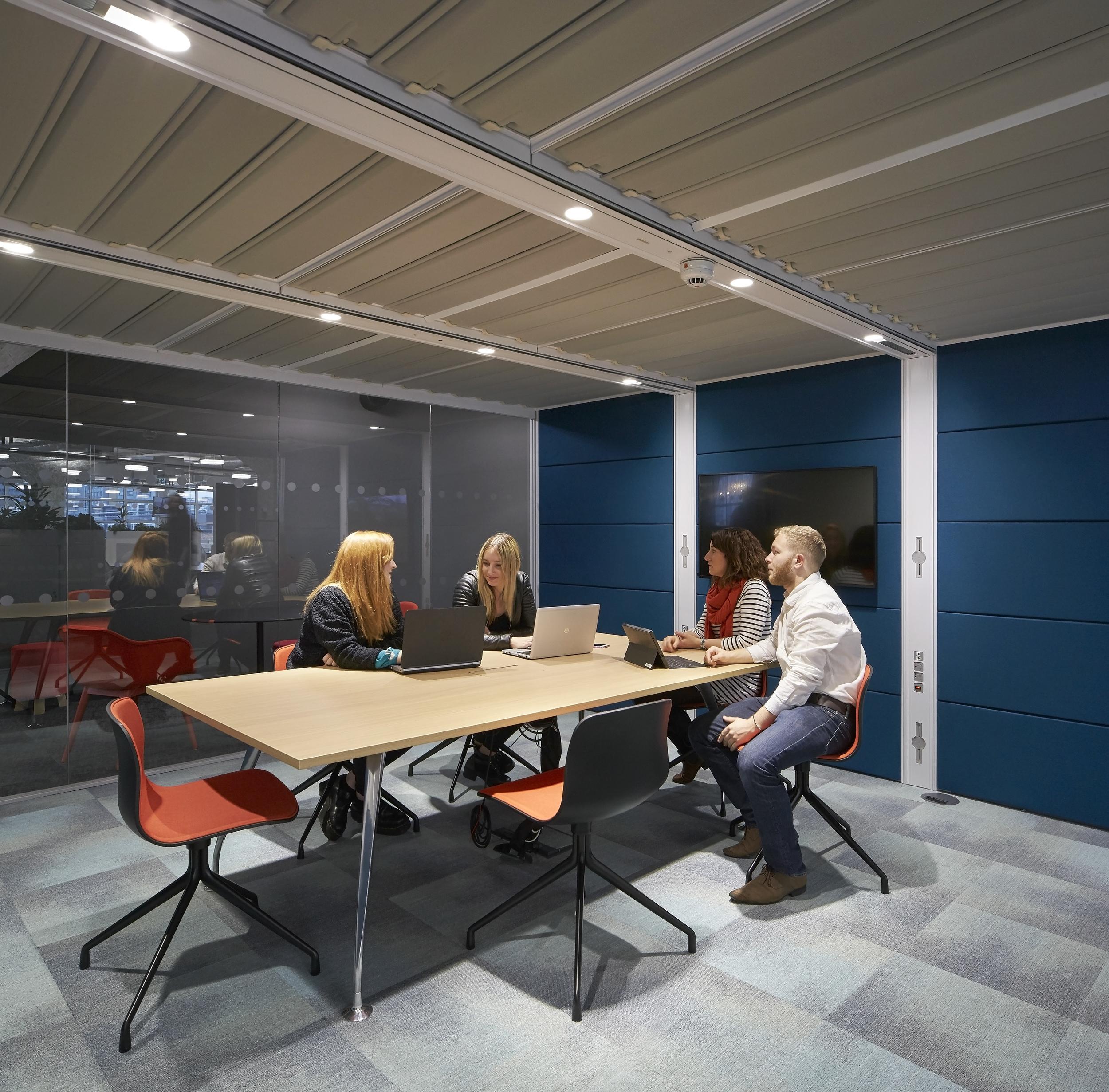 HLW_SKY offices_Brick Lane_-®Hufton+Crow_016.jpg