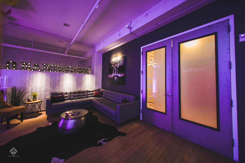 Unarthodox_Lounge_NYC_LR.jpg