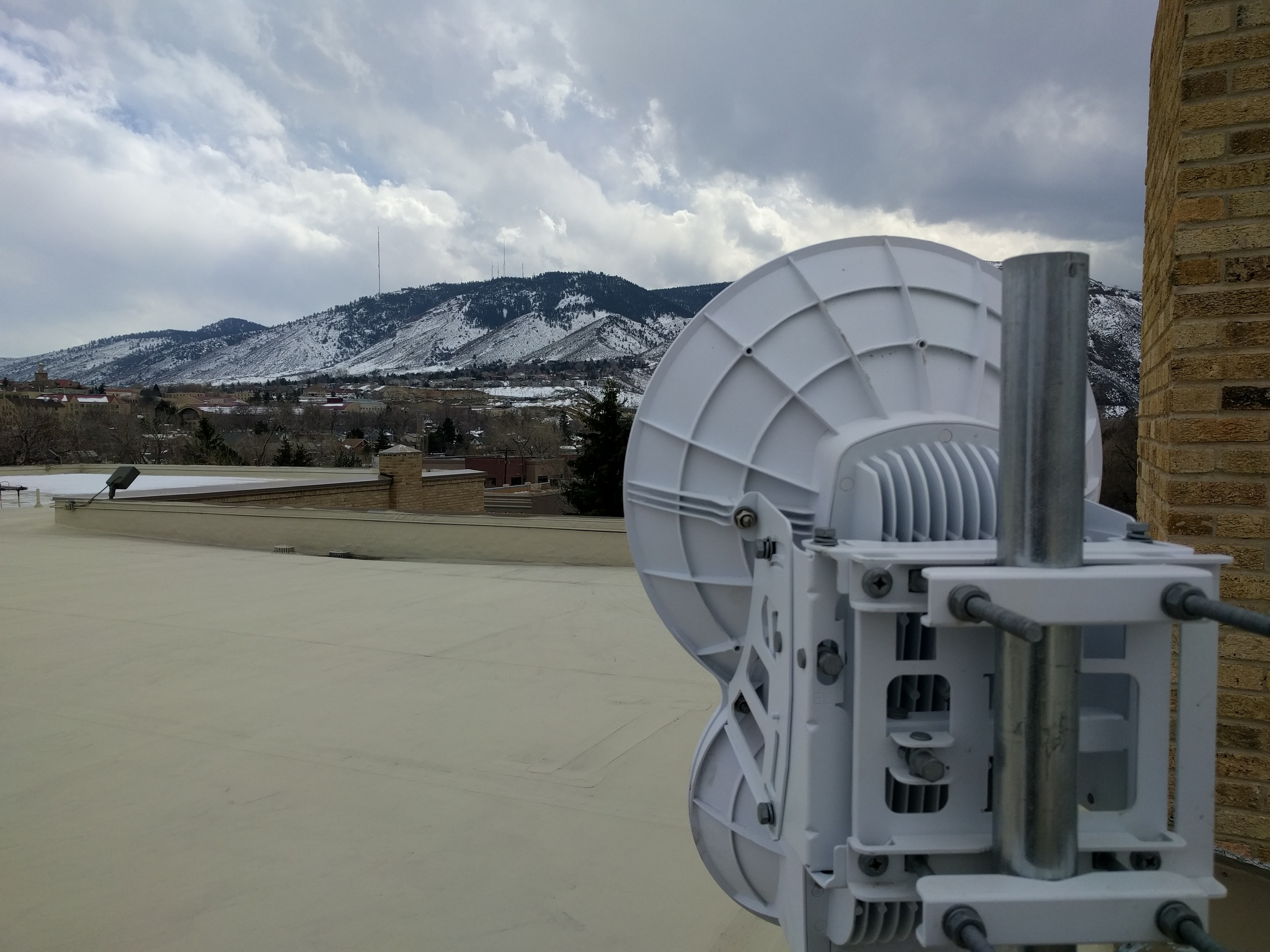 Backhaul radio on the roof of the Mountaineering Center