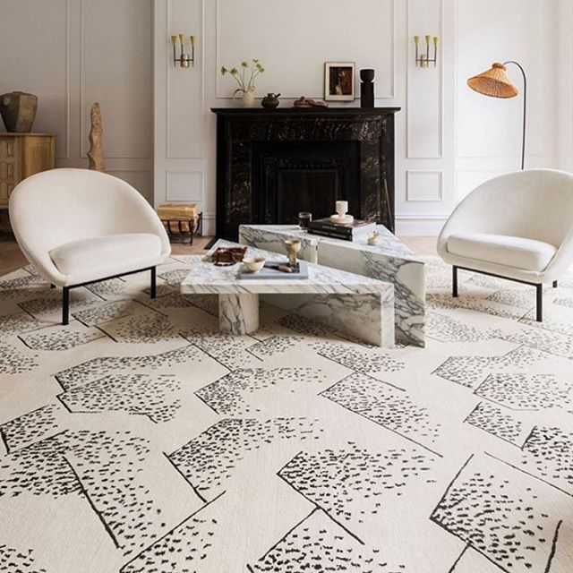 Whoever knew I would have a design crush on a rug.... totally in love with this Kelly Wearstler rug from The Rug Company.  #designcrush #ruglovers #therugcompany #kellywearstler #interiors #getmeonenow