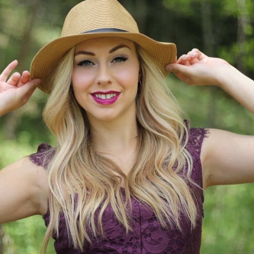 Jenna Powell - Dancer